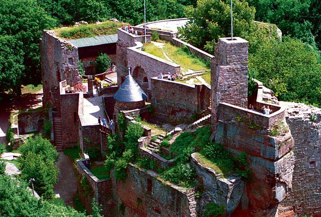 Landstuhl Castle | Fototails: fototails.me/tag/landstuhl-castle